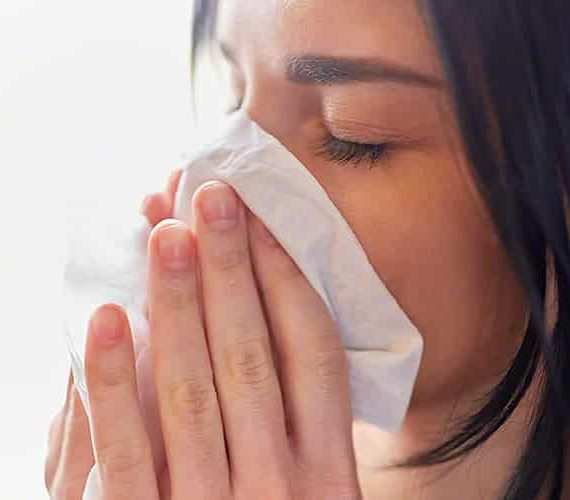 Can allergy symptoms turn into a cold?